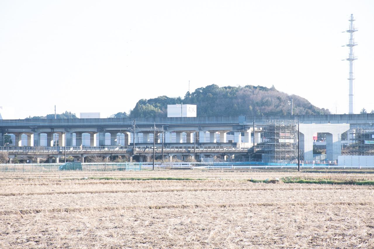 成田市土屋~成田空港間の高架橋。成田新幹線の施設としては、唯一大規模な工事が実施された場所です