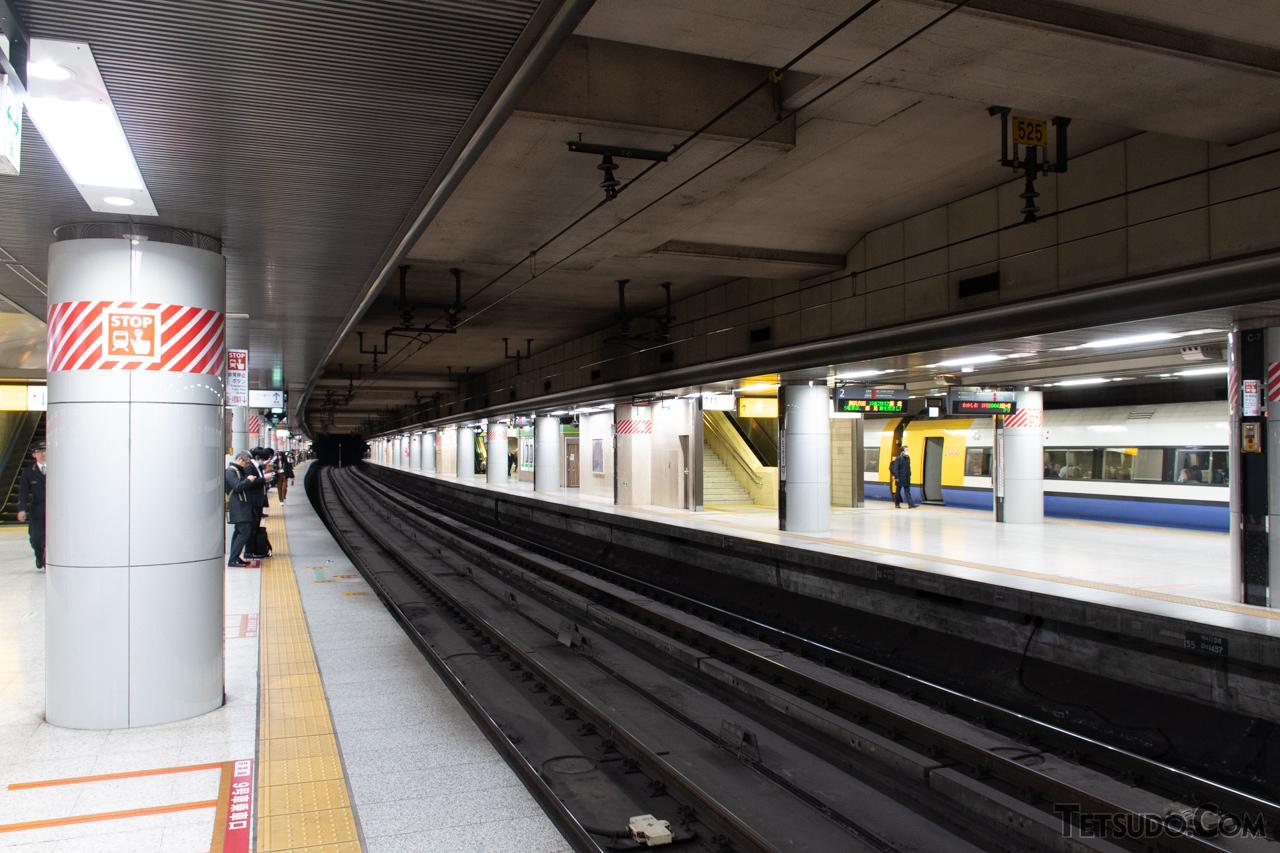 現在の京葉線のホームは、成田新幹線用とは全く別に建設された施設です