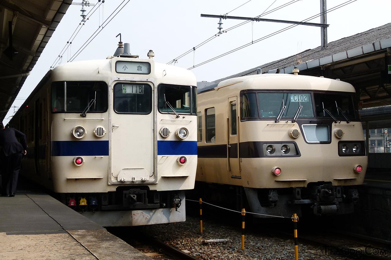 下関駅でJR九州の415系(左)と並ぶ117系(右)