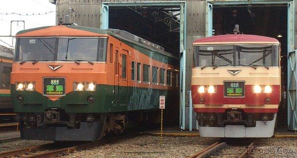 湘南色塗装(左)と157系風塗装(右)(青いE331さんの鉄道コム投稿写真)