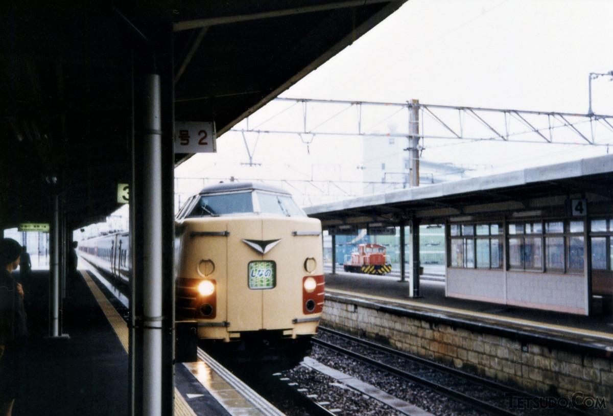 381系0番台「しなの」3号(多治見駅で撮影)
