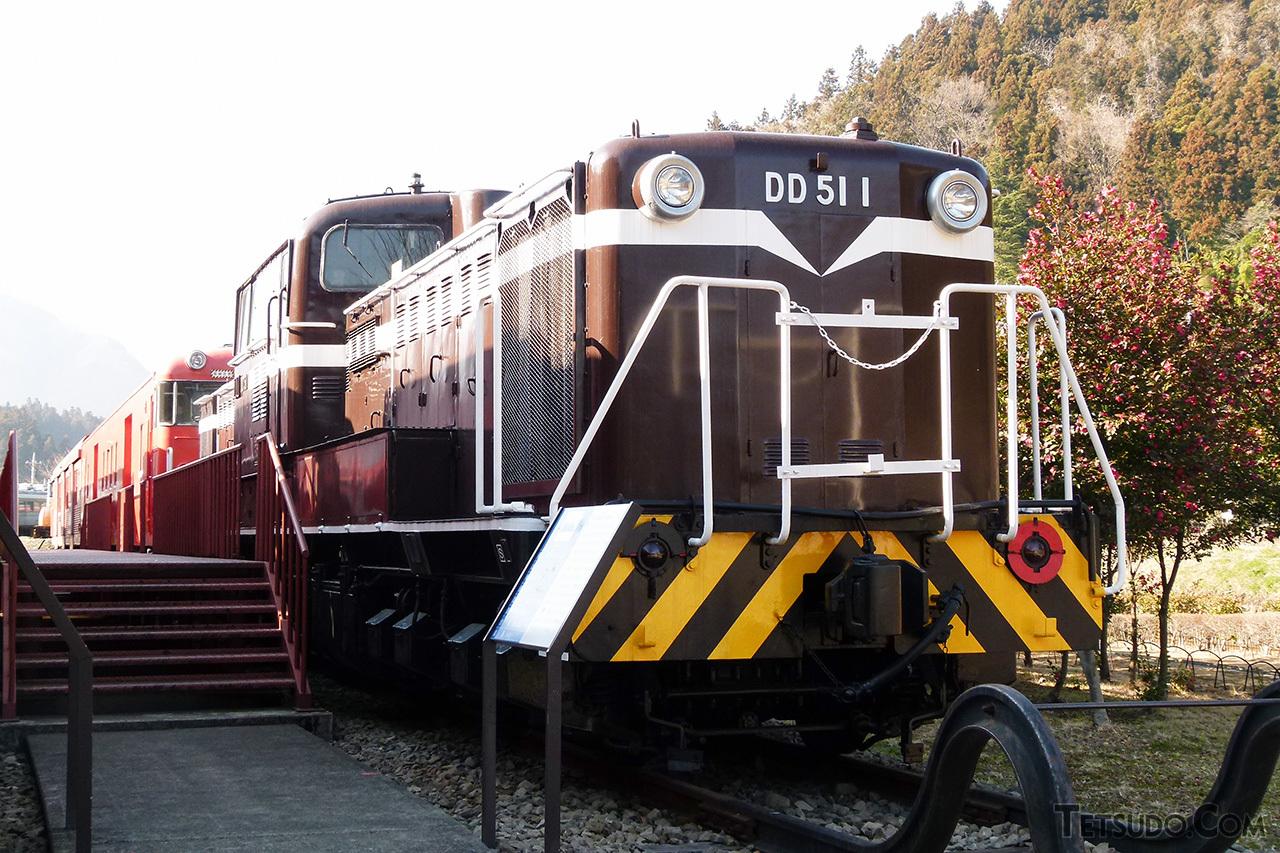 DD51形の1号機。後の車両とはデザインが異なっています。現在は碓氷峠鉄道文化むらで保存されています