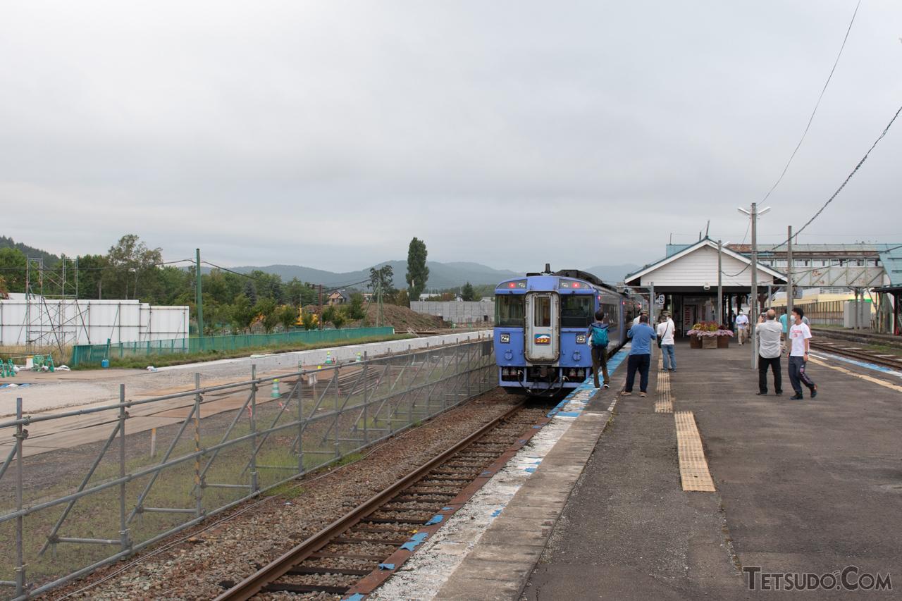 新幹線駅の準備工事が始まっている倶知安駅(2020年9月撮影)