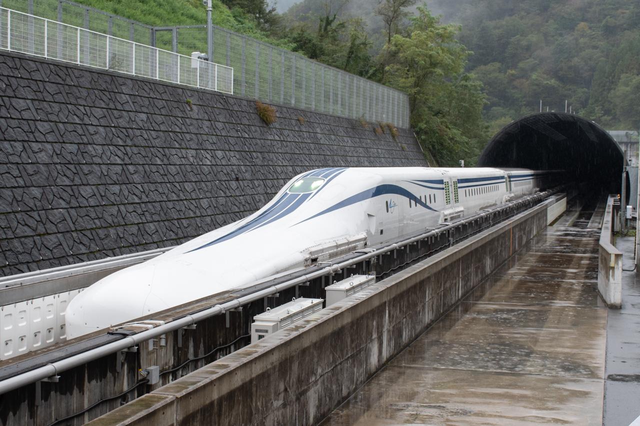 山梨リニア実験線。リニア中央新幹線開業までに、営業線仕様に改修されます