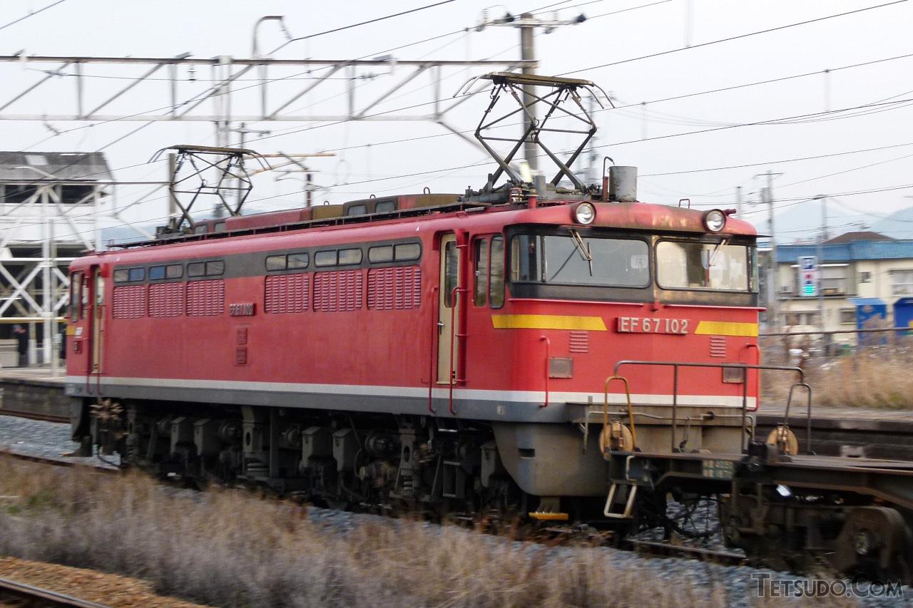 セノハチ用にEF65形から改造されたEF67形100番台