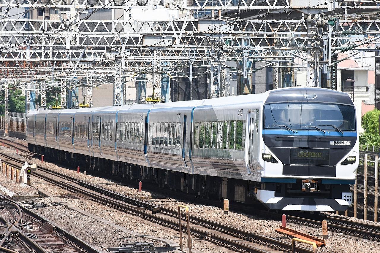 特急「湘南」に使用されるE257系リニューアル車両