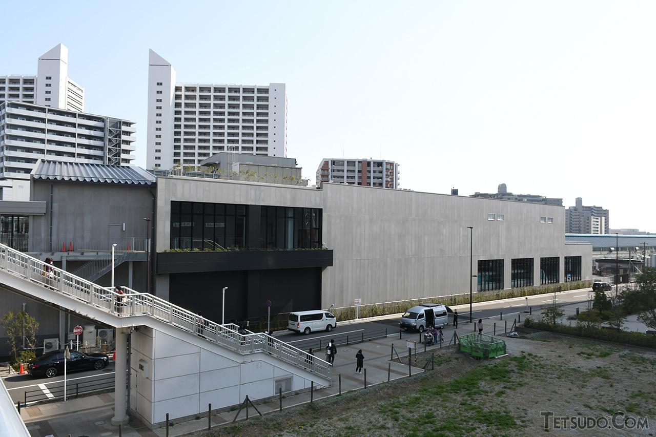 ロマンスカーミュージアムの外観