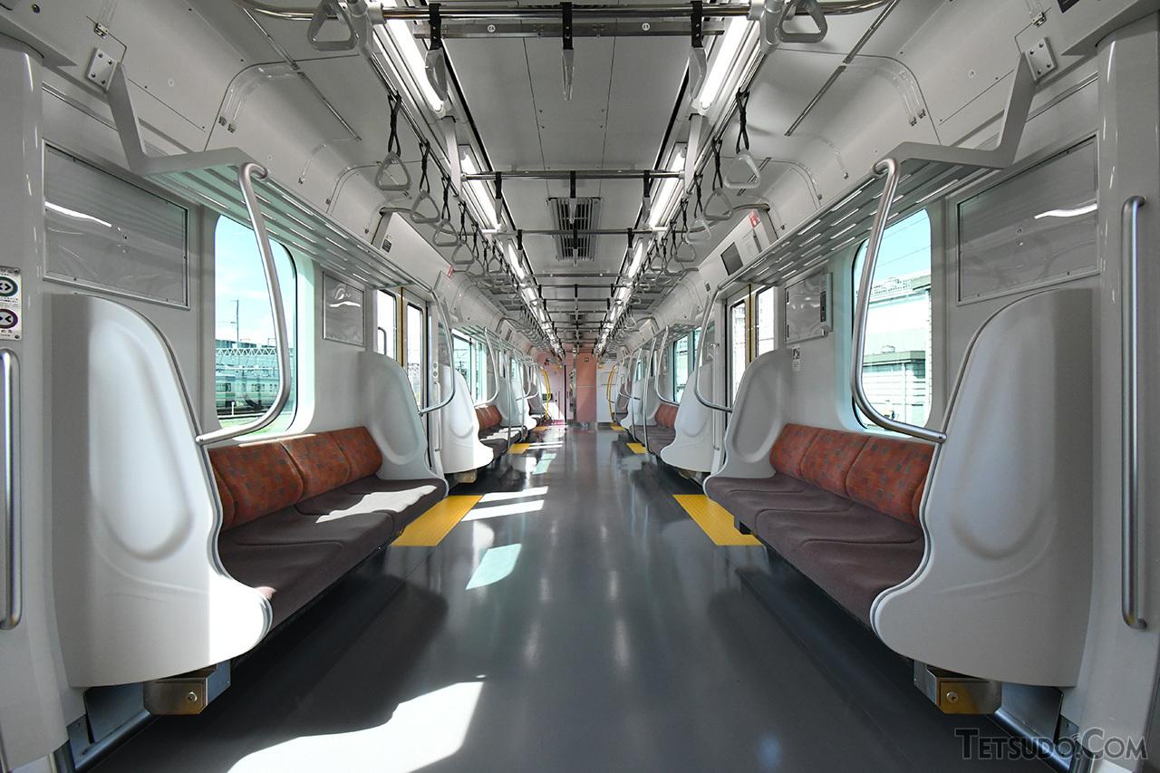 E131系の車内