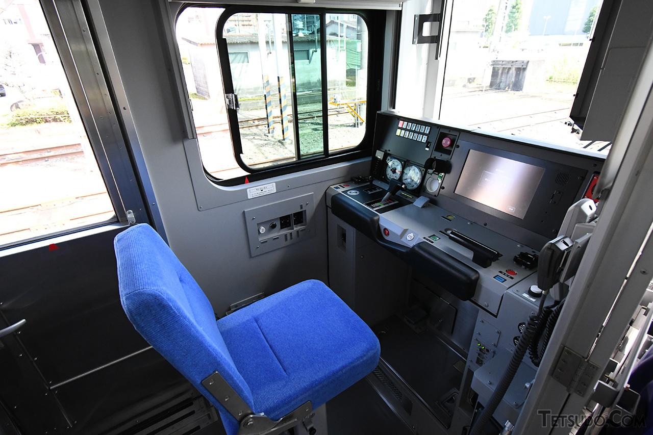E131系の運転台