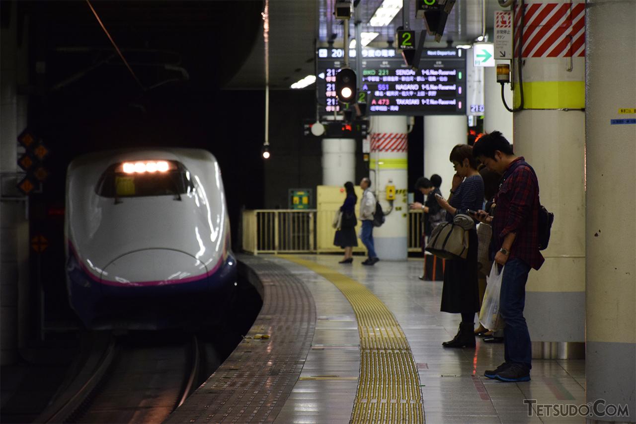 通勤・通学にも使われる新幹線(イメージ・編集部撮影)