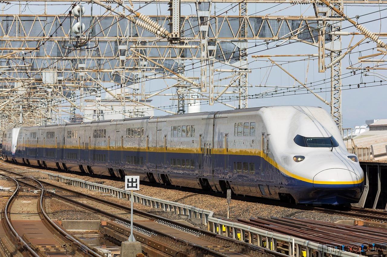 10月1日に定期運用を終了するE4系