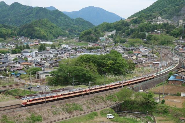 189系M51編成のラストラン。車両の解体場所がある長野への片道の旅となりました。ことぶきさんの鉄道コム投稿写真から。