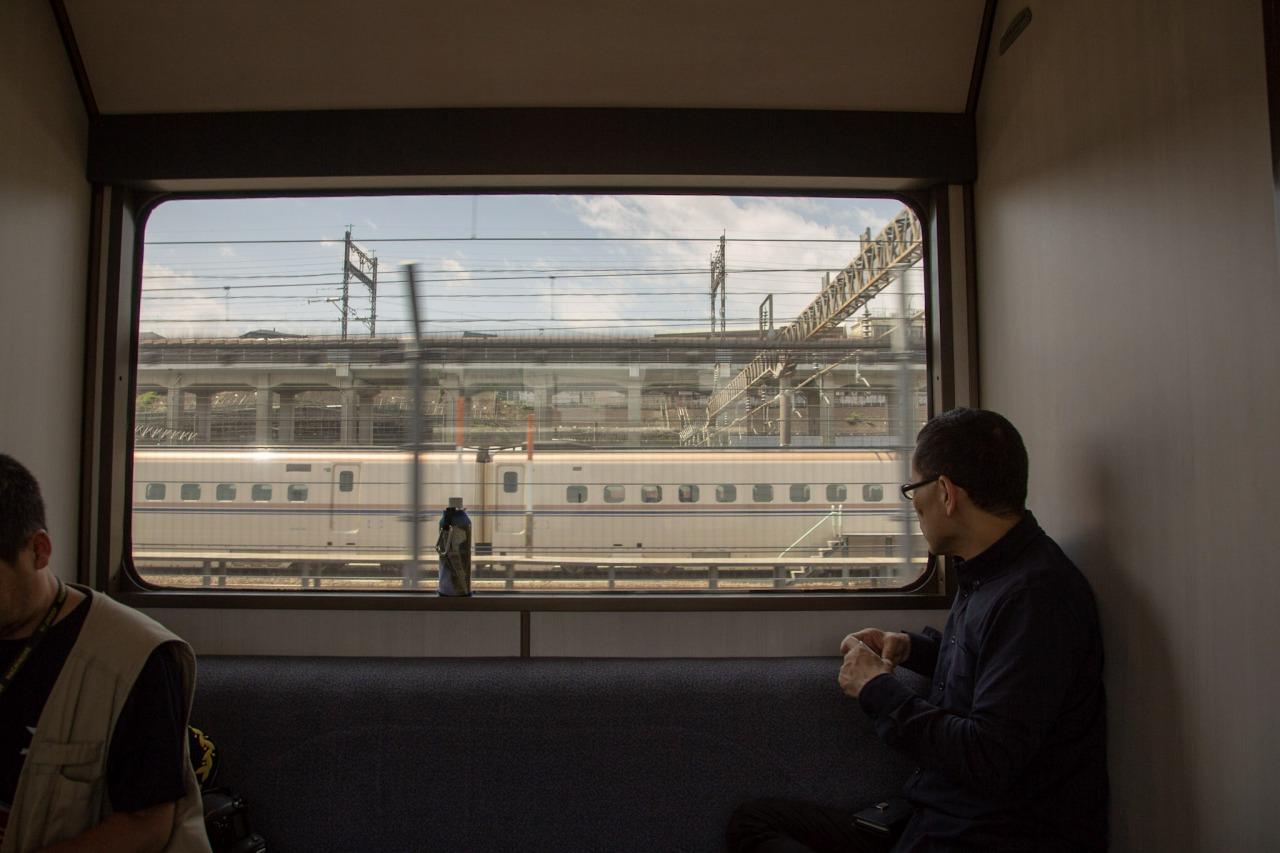 田端操駅の西側には、東北新幹線などの車両が停泊する、東京新幹線車両センターがある。この敷地は、かつては田端操車場の一部だった。