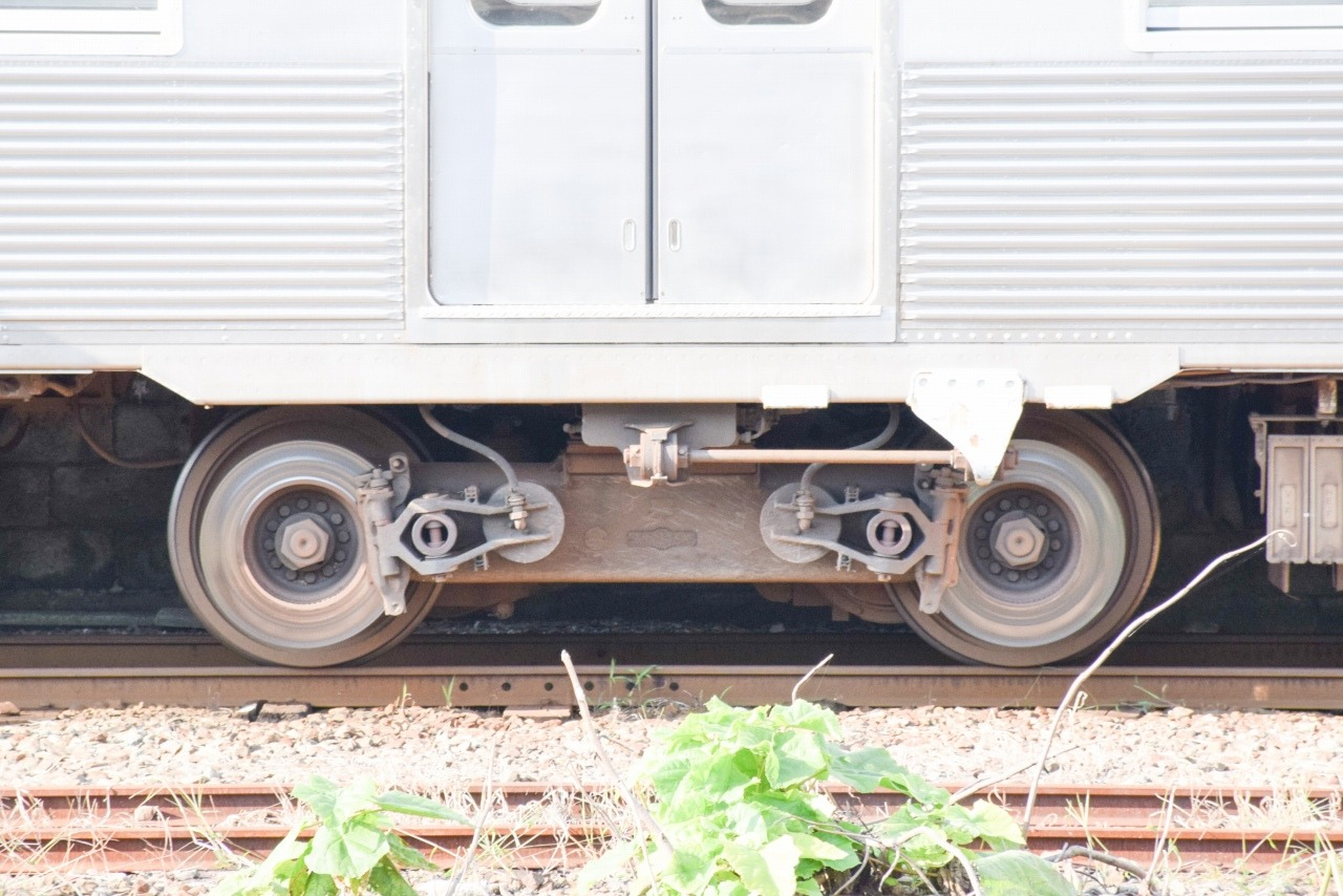7000系が使用したパイオニアIII台車「TS-701」。軸ばねが省略され、軸受が台車枠に直接取り付けられていることが特徴です
