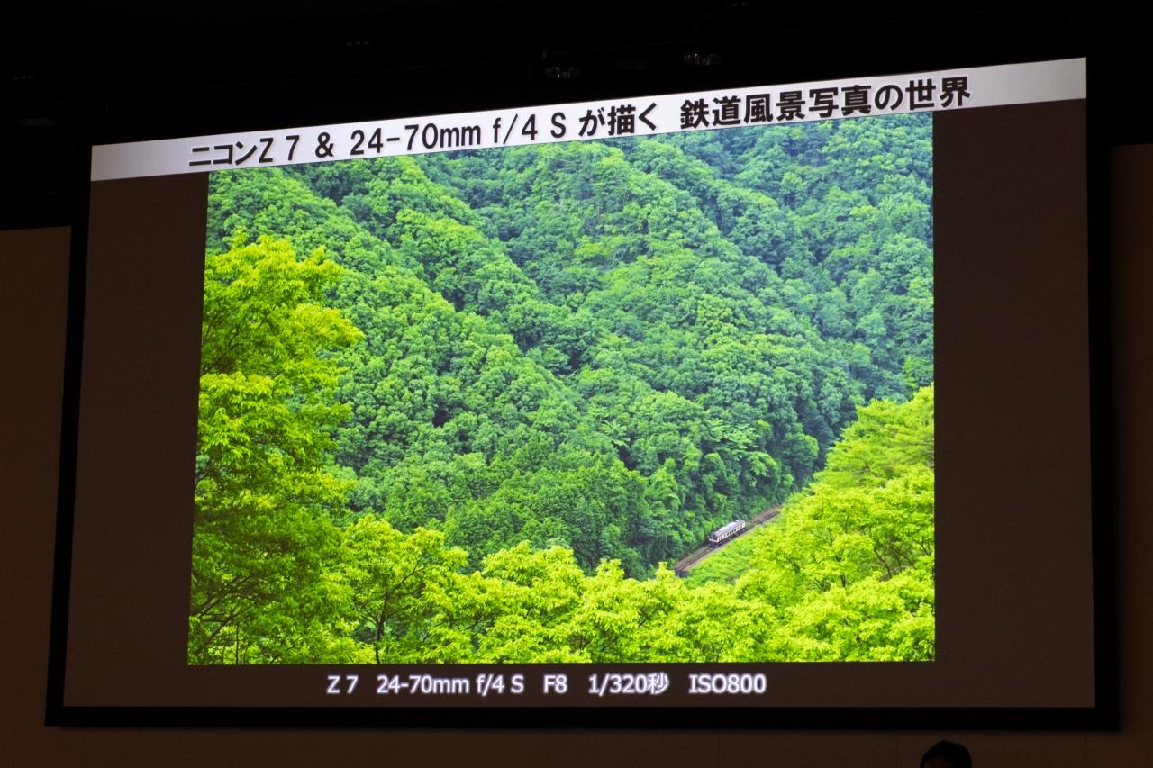 高所に登って撮ったという写真。この場所に機材を持って行くことを考えると、軽量なミラーレスカメラのアドバンテージは大きなものです