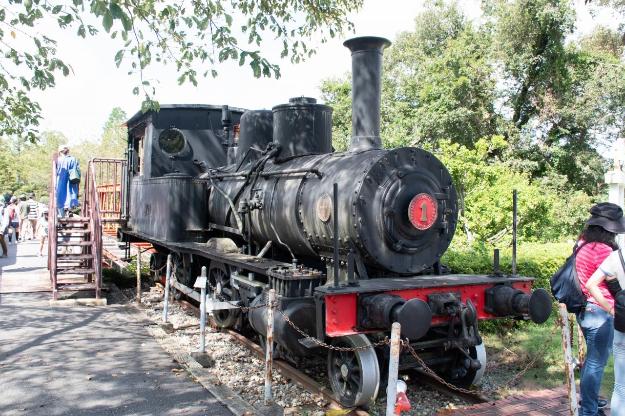 六郷川鉄橋付近に保存されるSL、「尾西鉄道蒸気機関車1号」。先述の12号機関車とともに、現在の名鉄尾西線などで活躍した車両です