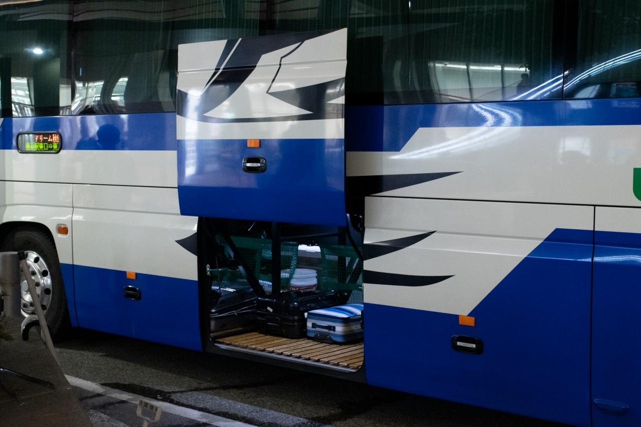 一般的な高速バス車両の荷物スペース