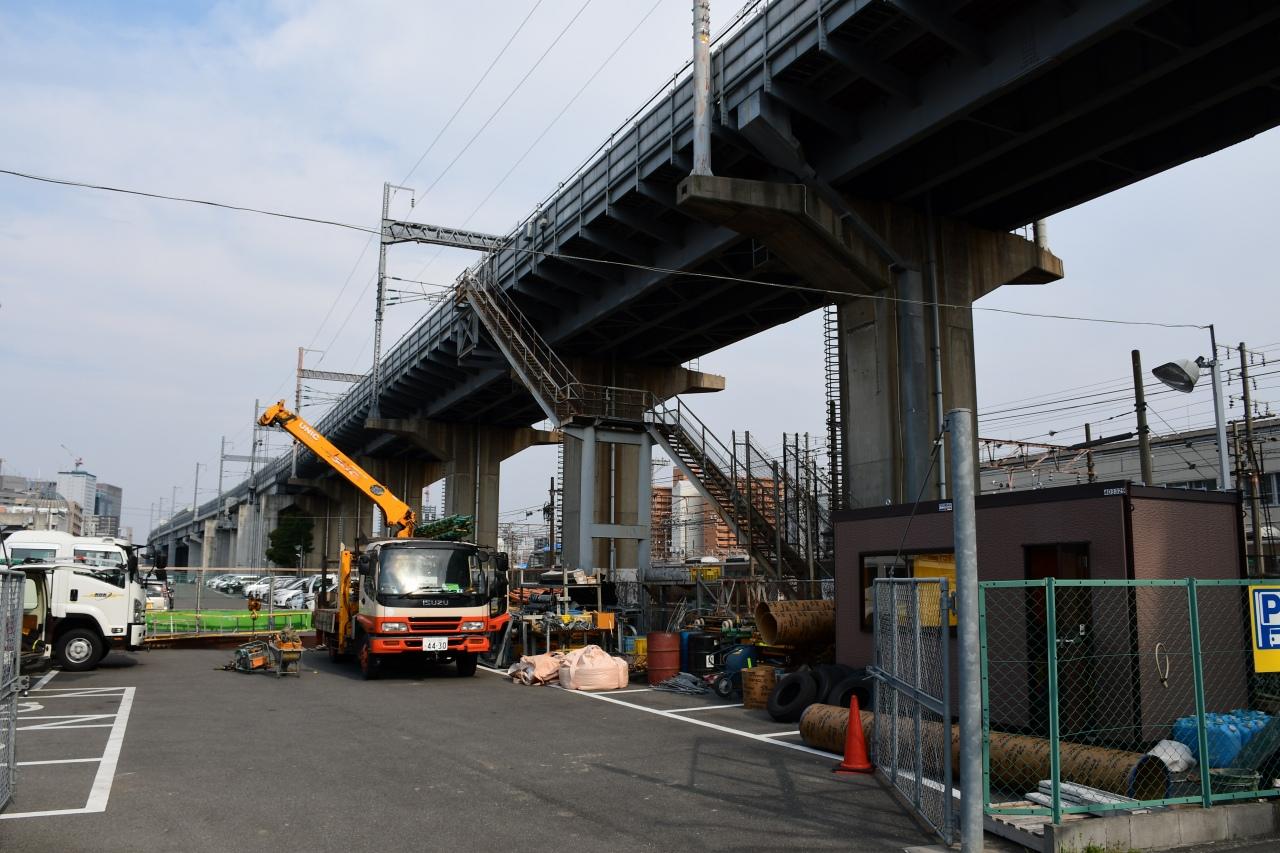 新大阪連絡線の建設予定地。一部は駐車場としてスペースが確保されています