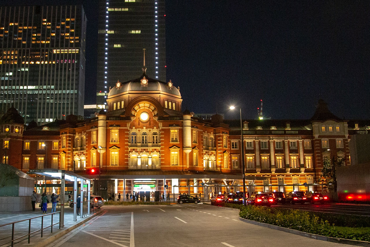 1万円札の裏面に描かれることとなった、東京駅の赤レンガ駅舎