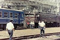 train, outdoor, ground, track