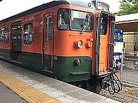 train, outdoor, transport, sky, track, land vehicle, platform, vehicle, railroad, stopped, traveling