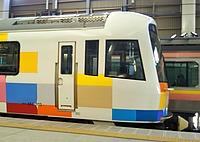 land vehicle, vehicle, public transport, transport, rolling stock, passenger car, station, train