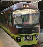 train, platform, station, track, vehicle, land vehicle, transport, pulling, public transport
