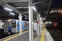 train, platform, station, track, ceiling, indoor, subway, vehicle, land vehicle, transport, pulling, public transport, train station, metro station, railroad, steel, silver