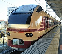 train, station, platform, track, railroad, transport, vehicle, land vehicle, rail, public transport, railway, rolling stock, pulling