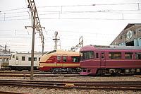 train, track, sky, outdoor, transport, rail, land vehicle, vehicle, locomotive, station, traveling, railroad