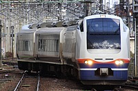 outdoor, track, transport, land vehicle, vehicle, rail, train, station, rolling stock, railway, traveling, railroad