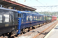 train, track, transport, outdoor, rail, land vehicle, vehicle, station, blue, locomotive, platform, rolling stock, railway, traveling, pulling, railroad, engine